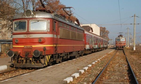 БДЖ пуска допълнителни вагони за Първомайските празници