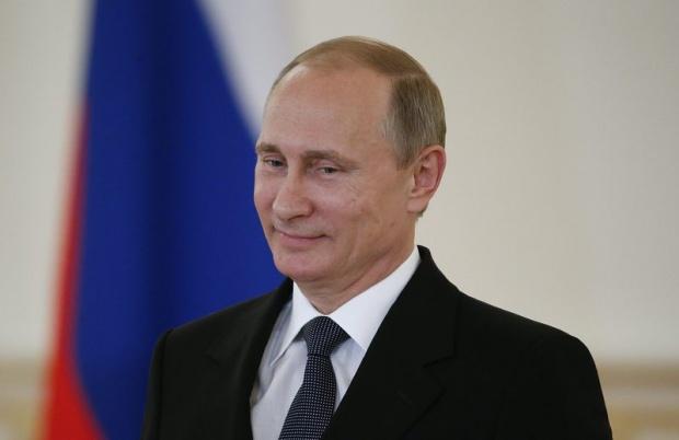 Путин задължи чиновниците да предават получените подаръци