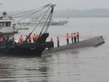 Picture: Китайски кораб с над 400 души на борда потъна, арестуваха капитана