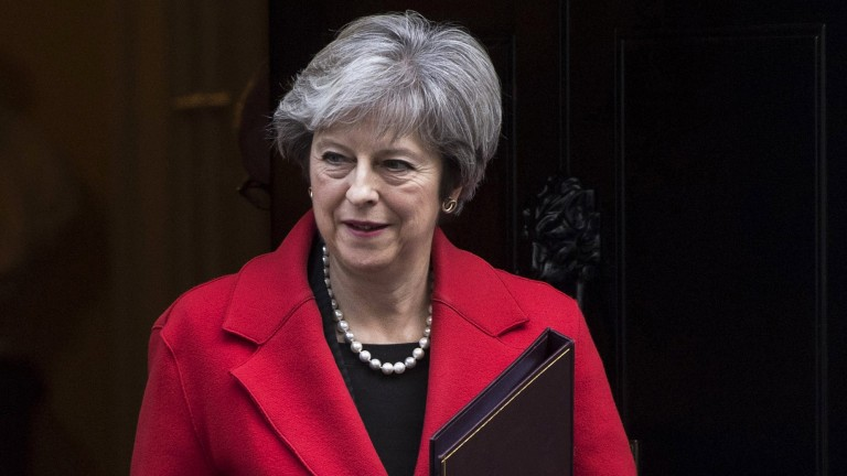 epa06326281 British Prime Minister Theresa May leaves 10 Downing Street, Central London, Britain, 13 November 2017. Mrs May will host a meeting later today with key figures of UK and European business to discuss Brexit.  EPA/WILL OLIVER