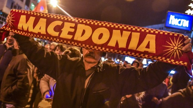 epa07195371 Supporter of the biggest opposition party VMRO DPMNE attends the protest against the Government in Skopje, The Former Yugoslav Republic of Macedonia, 28 November 2018. They are protesting against Government politics and economic situation in the country. EPA/GEORGI LICOVSKI
