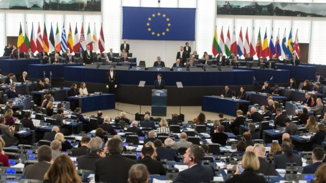 epa05796570 Canadian Prime Minister Justin Trudeau delivers his speech at the European Parliament in Strasbourg, France, 16 February 2017. He speaks about the Comprehensive Economic Trade Agreement (CETA) between the EU and Canada.  EPA/PATRICK SEEGER