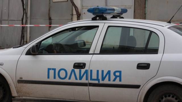 Picture: БАЩА ХВЪРЛИЛ ОТ МОСТ В ГАБРОВО 5-ГОДИШНОТО СИ ДЕТЕ