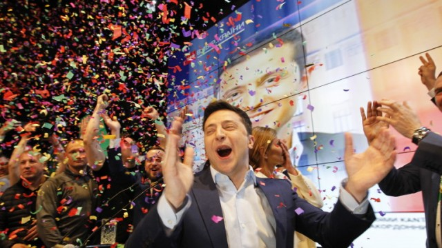 epa07520323 Ukrainian showman and comedian, and Presidential candidate Volodymyr Zelensky reacts at his campaign headquarters following a presidential elections in Kiev, Ukraine, on April 21, 2019. Ukrainians voted during the second round of Presidential elections on 21 April 2019.  EPA/STEPAN FRANKO