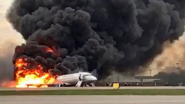 epa07549713 A handout photo made available by Russian Investigative Committee (Sledcom) shows a Sukhoi Superjet 100 of Russian airline Aeroflot burning at Moscow's Sheremetyevo airport, Russia, 05 May 2019. Conflicting numbers of fatalities are reported after the plane had to make an emergency landing just after take off for the flight to Murmansk.  EPA/Russian Investigative Committee / HANDOUT BEST QUALITY AVAILABLE HANDOUT EDITORIAL USE ONLY/NO SALES/NO ARCHIVES