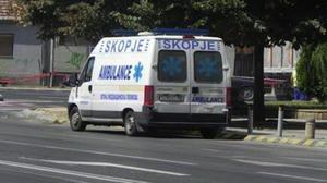 Гола македонка оцеля след скок от 4-ия етаж