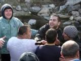 Picture: Не мина без бой: Меле за кръста в Благоевград!