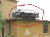 Picture: Уникално: Пиян шофьор паркира на покрива на помпена станция