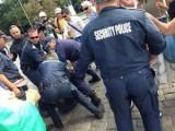 Picture: Полицията бие и арестува протестиращи пред Народното събрание!