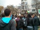 Picture: Протестиращи зоват: Нека дойдат таксита, камиони, бусове – за пълна блокада