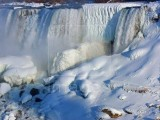 Picture: ПРИРОДНО ЧУДО: Ниагарският водопад замръзна