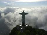 Picture: Мълния порази статуята на Исус от Рио