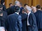 скандал се вихри в парламента