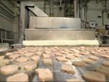 Picture: Макдоналдс показаха как приготвят месото за сандвичите си (ВИДЕО)