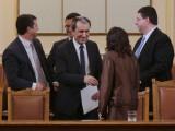 Picture: Очаквано парламентът отхвърли вота на недоверие