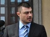 Picture: Н. Цонев: Бареков играе ролята на послушко в