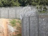 Picture: Терористи преминават безпроблемно през граничната ограда между България и Турция
