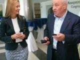 Picture: Поли Карастоянова сега на Валери Симеонов ли прави свирки?!