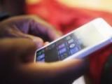 Picture: Забраняват смартфоните в училище