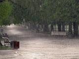 Picture: Наводнени улици и къщи в София