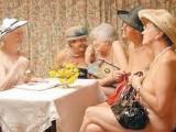 Picture: Смели британски баби се снимаха в разголен календар за благотворителност