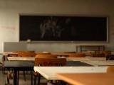 Повечето ученици в Дебелт са били тормозени в училищните тоалетни