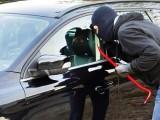 Picture: 14 - годишен младеж показа как се краде кола