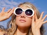слънчеви очила с електронно затъмняване