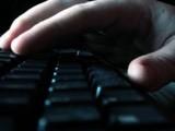 Вируси заразиха хиляди компютри с проста схема