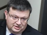 Picture: Цацаров коментира обвиненията на банкера Цветан Василев с ирония