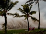 Смъртоносен циклон в Тихия океан – вятър лети с 250 км/ч