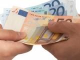 Жените в Европейския съюз печелят с 16 процента по – малко от мъжете