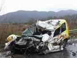 Picture: Челен сблъсък между автобус и кола взе жертва