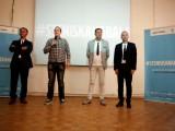 "Picture: Български абитуриенти масово подкрепят инициативата ""с тениска на бала"""
