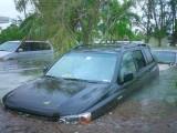 Унищожителни наводнения в Тексас, суша в Калифорния